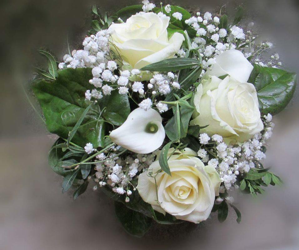 Weisser kleiner Brautstrauss für`s Standesamt