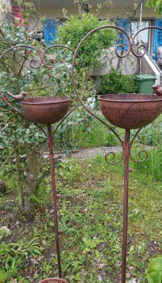 Vogelbad Gartenstecker, kann auch bepflanzt werden