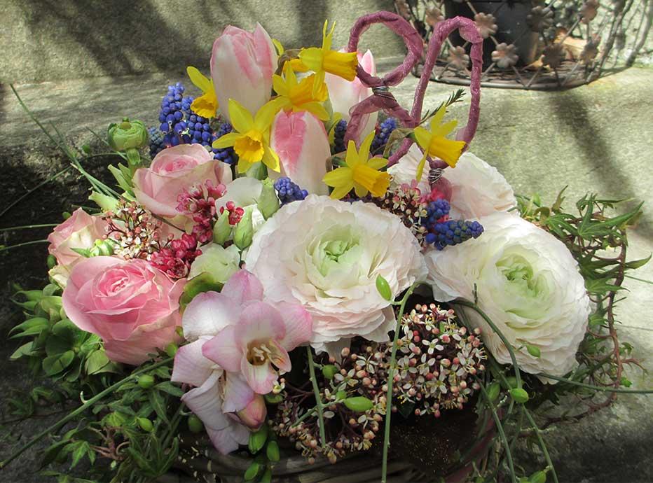 Geburtstags Gesteck Frühling