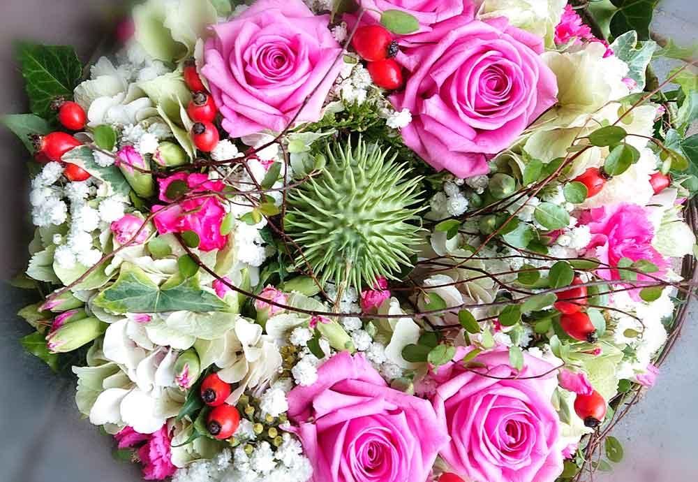 Kränzchen mit pink Rosen